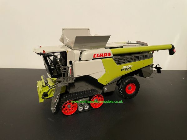 MARGE MODELS 1:32 SCALE CLAAS LEXION 8800 TT COMBINE HARVESTER WITH GRAIN HEADER