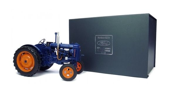 UH4861 UNIVERSAL HOBBIES 1/16 SCALE FORDSON E27N 70th ANNIVERSARY LIMITED EDITION 999 PIECES