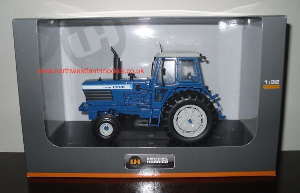 UH4024 UNIVERSAL HOBBIES 1/32 SCALE FORD TW30 4x2 (1979)