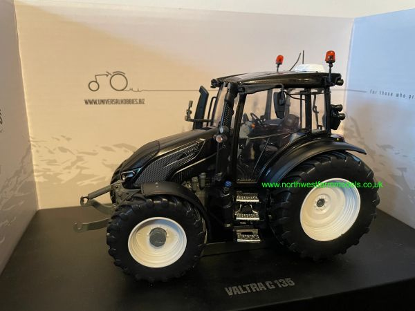 UNIVERSAL HOBBIES 6291 1:32 SCALE VALTRA G135 BLACK LIMITED EDITION