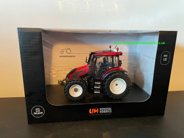 UNIVERSAL HOBBIES 6293 1:32 SCALE VALTRA G135 UNLIMITED RED LIMITED EDITION