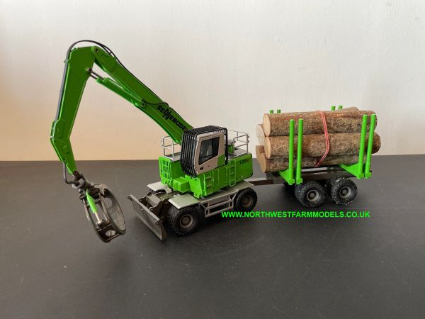 CONRAD 1:50 SCALE SENNEBOGEN 735 E HANDLING MACHINE WITH LOG GRAB AND TRAILER