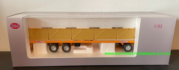 REPLICAGRI 1:32 SCALE MAUPU PALOX FLATBED TRAILER WITH BOXES (YELLOW)