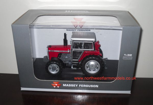 UH4107 UNIVERSAL HOBBIES 1/32 SCALE MASSEY FERGUSON 2640 (1979) 4WD MODEL TRACTOR