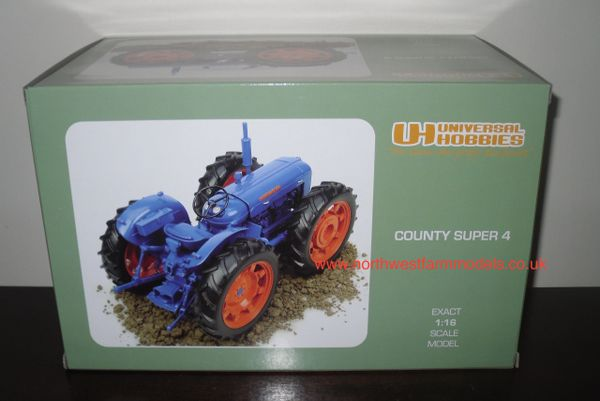 UH2787 UNIVERSAL HOBBIES 1/16 SCALE COUNTY SUPER 4 (1961)