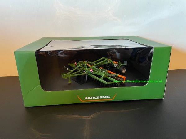 UNIVERSAL HOBBIES 5342 1:32 SCALE AMAZONE CATROS 6002 2TS CULTIVATOR