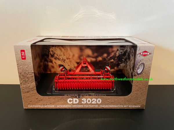 UNIVERSAL HOBBIES 5218 1:32 SCALE KUHN CD 3020 DISC HARROWS
