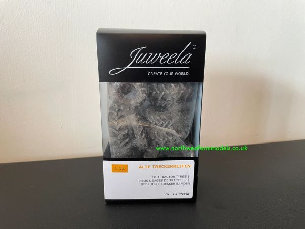JUWEELA 23350 1:32 SCALE LOOSE TRACTOR TYRES (13 PEICES)