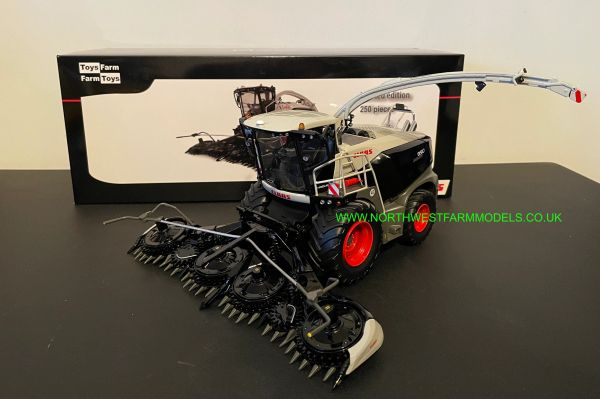 MARGE MODELS 1:32 SCALE CLAAS JAGUAR 990 BLACK LIMITED EDITION WITH GRASS AND MAIZE HEADER