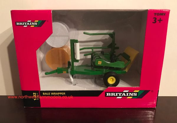 BRITAIN FARM 42882 1/32 SCALE BALE WRAPPER (2 BALES INCLUDED)