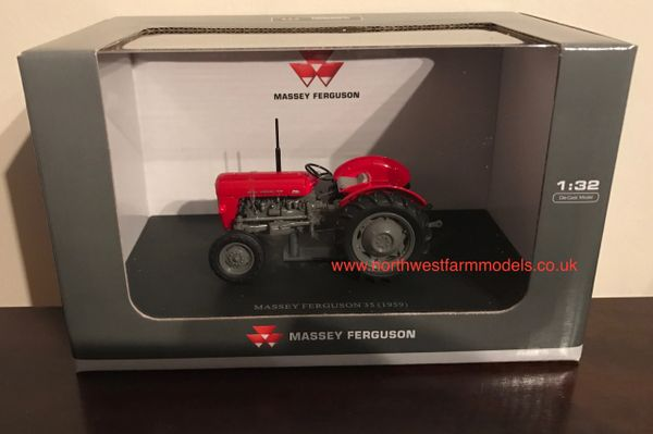 UNIVERSAL HOBBIES 1/32 SCALE MASSEY FERGUSON 35 **NEW**