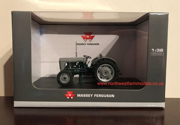 UH4988 UNIVERSAL HOBBIES 1/32 SCALE FERGUSON TO 35 - LAUNCH EDITION (1954)