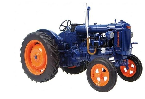 UH2638 UNIVERSAL HOBBIES 1:16 SCALE FORDSON E27N