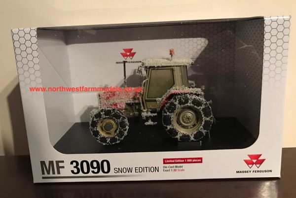 "5202 UNIVERSAL HOBBIES 1/32 SCALE MASSEY FERGUSON 3090 ""SNOW EDITION"""