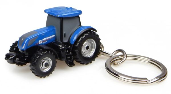 UNIVERSAL HOBBIES NEW HOLLAND T7 225 TRACTOR KEYRING