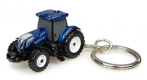 "UNIVERSAL HOBBIES NEW HOLLAND T7.225 ""BLUE POWER"" KEYRING"
