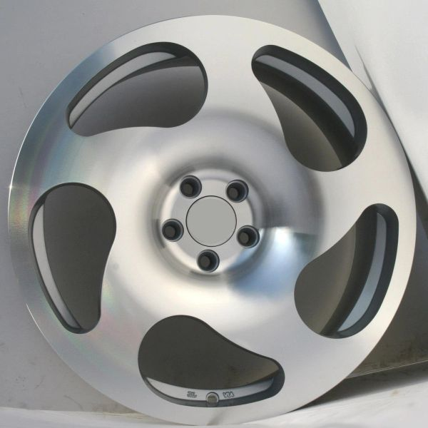 """Set of Four 18"""" CC10 Style - 5x112 - Staggared- Silver / Machined"""