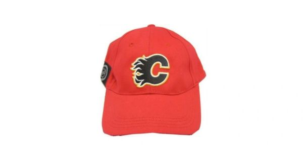 CALGARY FLAMES RED NHL HOCKEY LOGO HAT CAP .. NEW