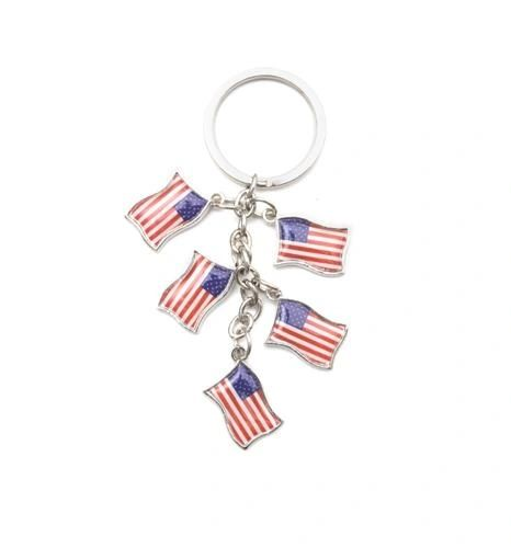 USA 5 COUNTRY FLAG METAL KEYCHAIN .. NEW AND IN A PACKAGE