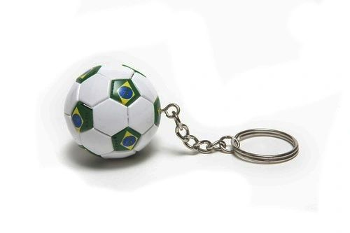 BRASIL COUNTRY FLAG FIFA SOCCER WORLD CUP BALL KEYCHAIN .. NEW AND IN A PACKAGE
