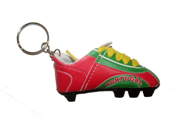 PORTUGAL GREEN RED SHOE CLEAT KEYCHAIN .. NEW AND IN A PACKAGE