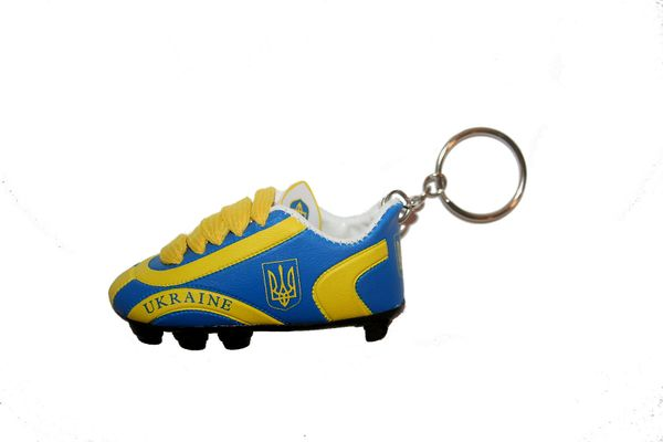 UKRAINE WITH TRIDENT COUNTRY FLAG SHOE CLEAT KEYCHAIN .. NEW AND IN A PACKAGE