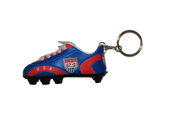 USA NATIONAL SOCCER LOGO FLAG SHOE CLEAT KEYCHAIN .. NEW AND IN A PACKAGE