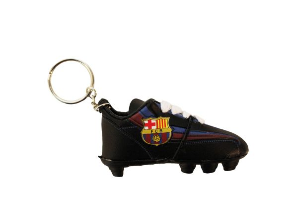 BARCELONA F.C.B LOGO SOCCER SHOE CLEAT KEYCHAIN .. NEW AND IN A PACKAGE