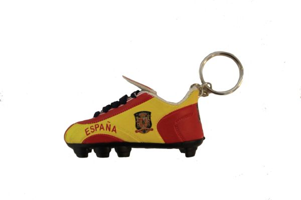 ESPANA SPAIN COUNTRY FLAG SHOE CLEAT KEYCHAIN .. NEW AND IN A PACKAGE