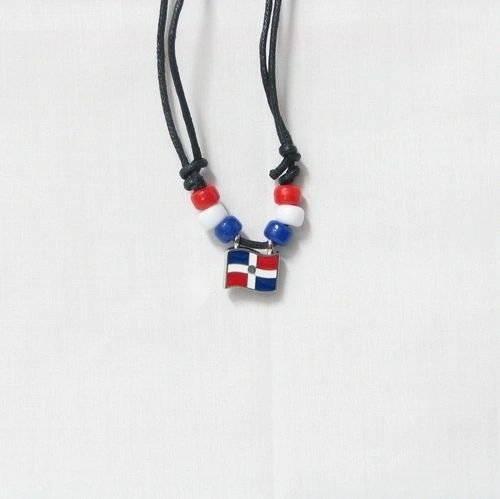 DOMINICAN REPUBLIC COUNTRY FLAG SMALL METAL NECKLACE CHOKER .. NEW AND IN A PACKAGE