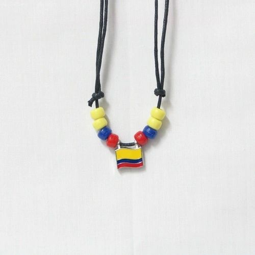 COLOMBIA COUNTRY FLAG SMALL METAL NECKLACE CHOKER .. NEW AND IN A PACKAGE