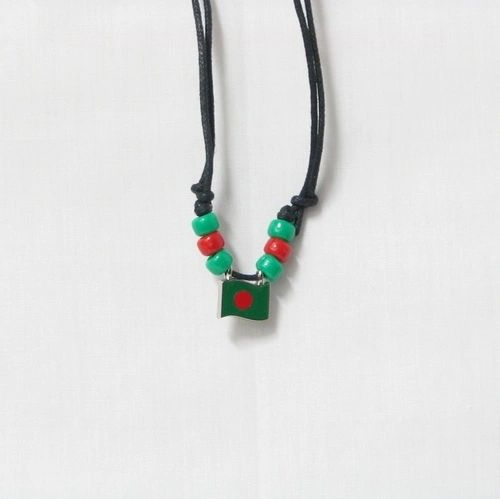 BANGLADESH COUNTRY FLAG SMALL METAL NECKLACE CHOKER .. NEW AND IN A PACKAGE