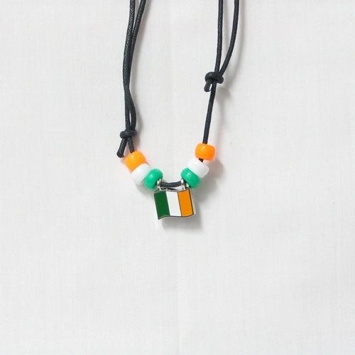 IRELAND COUNTRY FLAG SMALL METAL NECKLACE CHOKER .. NEW AND IN A PACKAGE