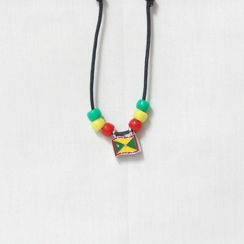 GRENADA COUNTRY FLAG SMALL METAL NECKLACE CHOKER .. NEW AND IN A PACKAGE