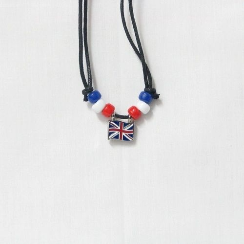 UNITED KINGDOM COUNTRY FLAG SMALL METAL NECKLACE CHOKER .. NEW AND IN A PACKAGE