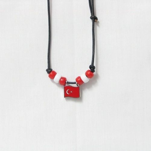 TURKEY COUNTRY FLAG SMALL METAL NECKLACE CHOKER .. NEW AND IN A PACKAGE