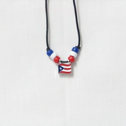 PUERTO RICO COUNTRY FLAG SMALL METAL NECKLACE CHOKER .. NEW AND IN A PACKAGE