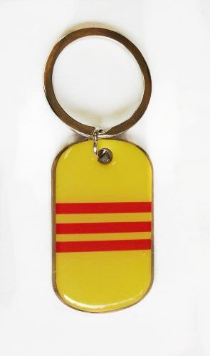 SOUTH VIETNAM COUNTRY FLAG METAL KEYCHAIN .. NEW AND IN A PACKAGE
