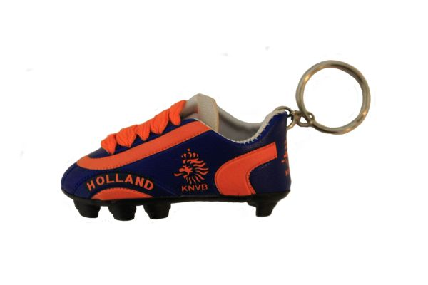 HOLLAND NETHERLANDS BLUE ORANGE KNVB LOGO FIFA SOCCER WORLD CUP SHOE CLEAT KEYCHAIN .. NEW AND IN A PACKAGE