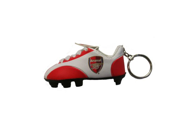 ARSENAL LOGO SOCCER SHOE CLEAT KEYCHAIN .. NEW AND IN A PACKAGE