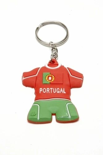 PORTUGAL JERSEY SHAPE COUNTRY FLAG METAL KEYCHAIN .. NEW AND IN A PACKAGE