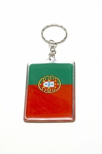 PORTUGAL SQUARE SHAPE COUNTRY FLAG METAL KEYCHAIN .. NEW AND IN A PACKAGE