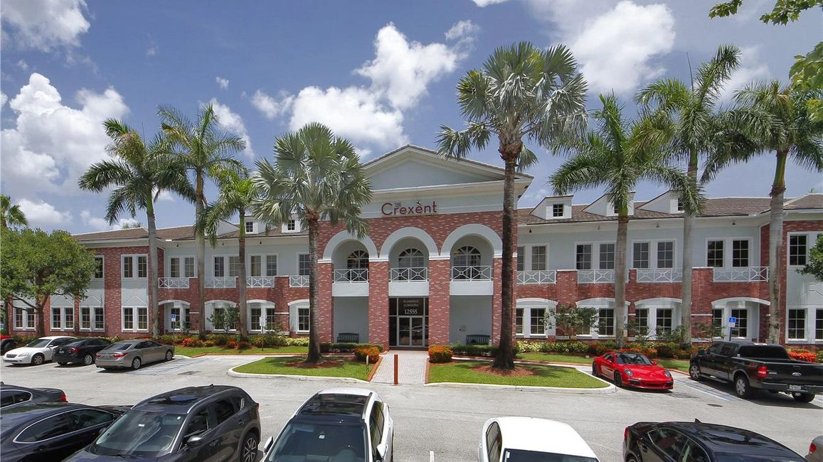The Crexent Business Center Davie