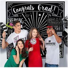 Grad Selfie Scene Setters® Wall Decorating Kit