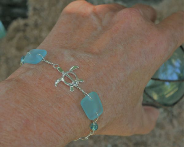 Beach Glass Bracelet in Light Blue