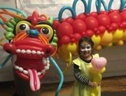 Art on the spot animal balloons kid birthday parties MA RI balloon decor festivals events Middleboro