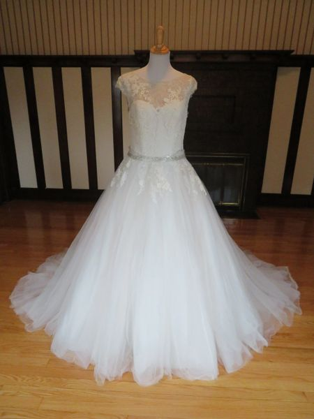 San Patrick by Pronovias Wedding Dress Hadara