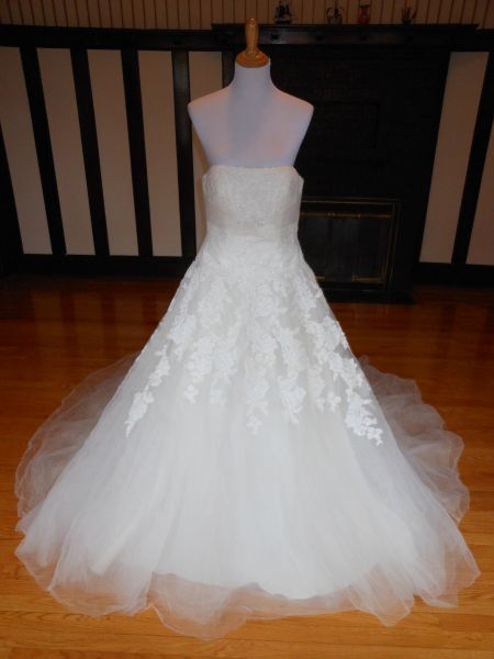 White One by Pronovias Wedding Dress Jaicee