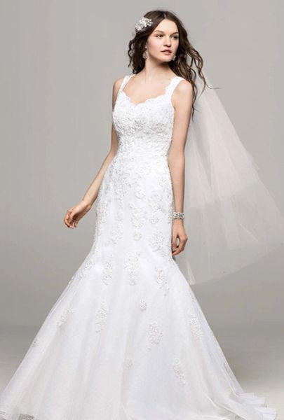 David's Bridal Wedding Dress V3643