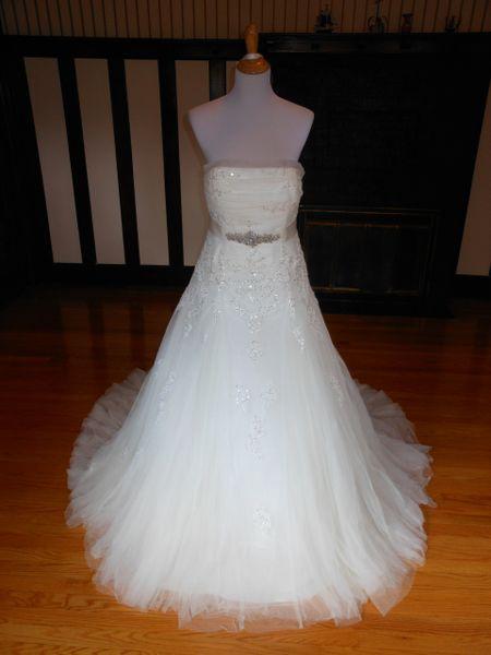 Avenue Diagonal by Pronovias Wedding Dress Faldeo